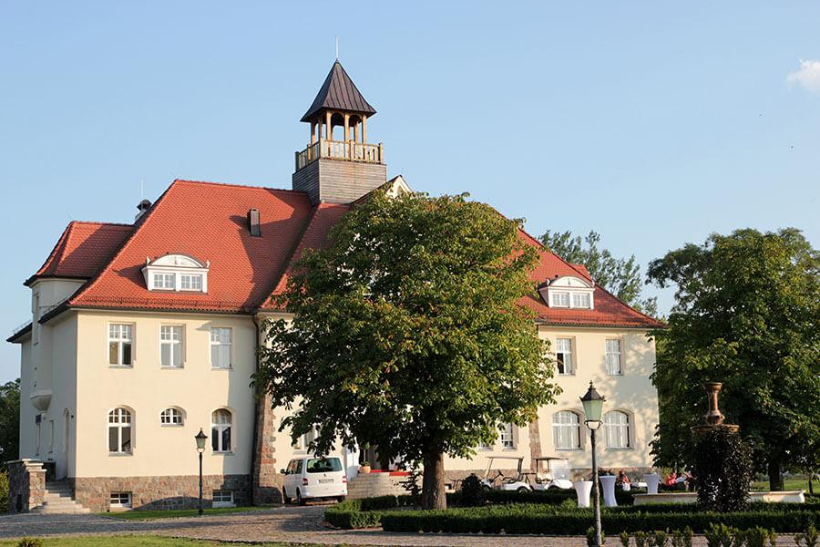 Krugsdorf - Schloss Krugsdorf Eingang