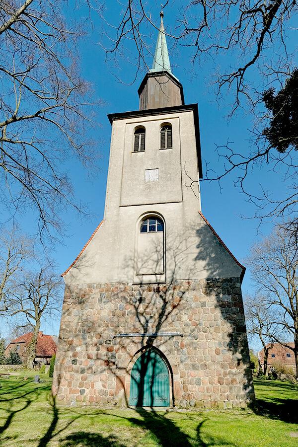 Groß Luckow - Dorfkirche Eingang