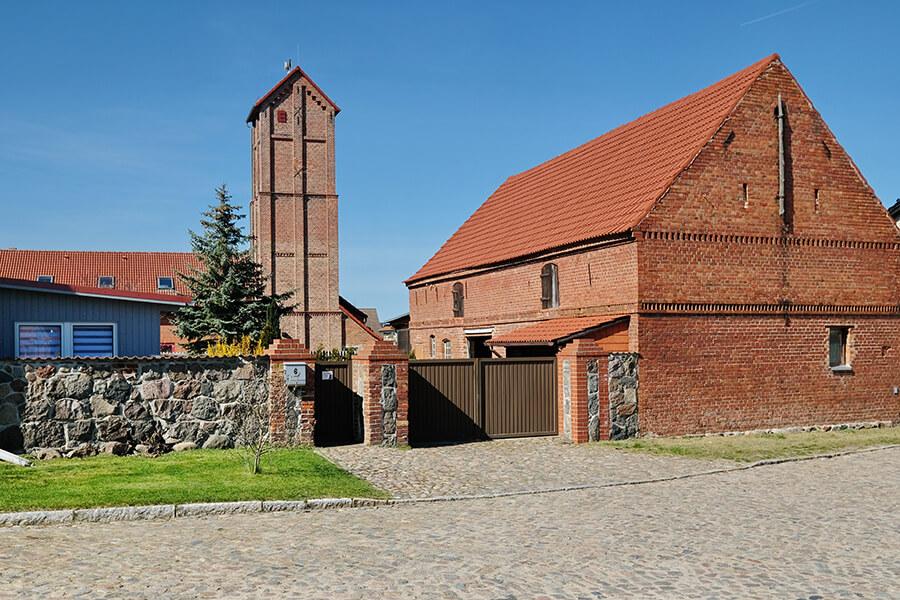 Jatznick - Dorf - Blick auf Feuerwehrturm