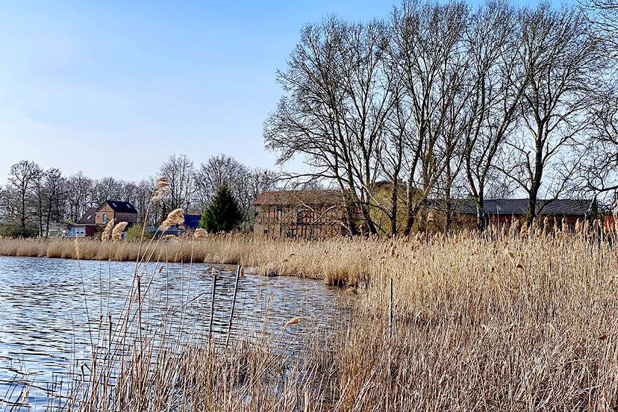 Koblentz - Blicke über den Kleinen Koblentzer See ins Dorf rein