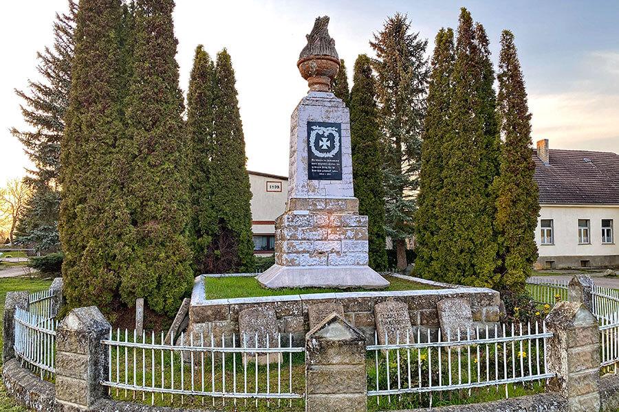 Brietzig - Kriegerdenkmal