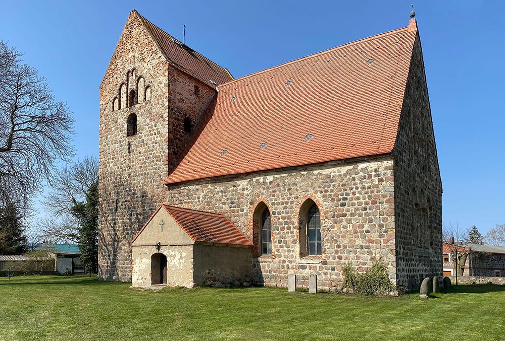 Fahrenwalde - Dorfkirche